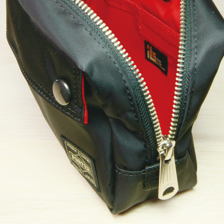 pouch10